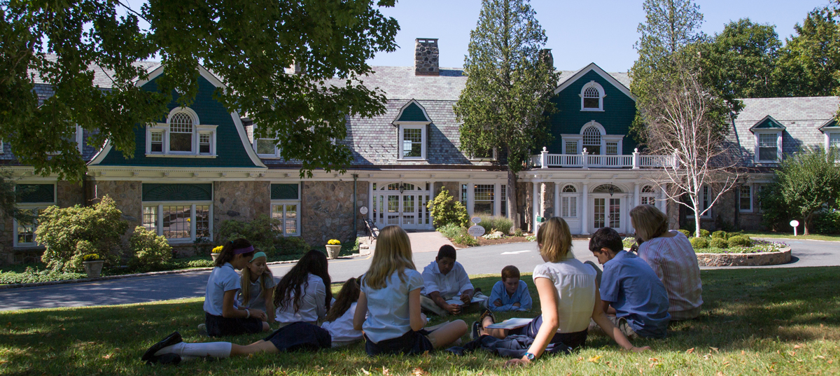 Ridgefield Academy Students Learning Outside